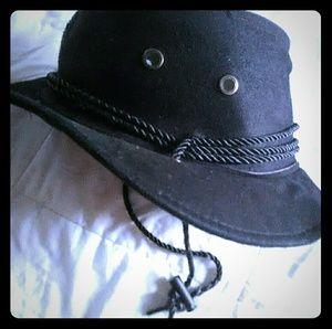 Black/Dark Brown Hat 👒 With Tie